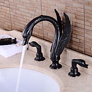 traditionelle udbredt keramisk ventil to håndtag tre huller med olie gnides bronze badeværelse vask vandhane