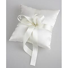 travesseiro anel de casamento em cetim branco com pérolas