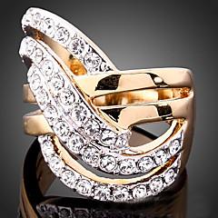 Tyylikkäät sormukset Cubic Zirkonia Gold Plated jäljitelmä Diamond 24K Plated Gold Metalliseos Muoti Ruudun väri Korut Party 1kpl