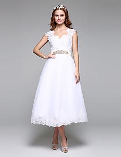 A-vonalú Cakkos Tea-hossz Csipke Tüll Esküvői ruha val vel Gyöngydíszítés Csipke Pántlika / szalag Csokor által LAN TING BRIDE®