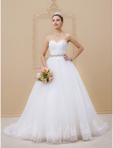 cheap Wedding Dresses-Ball Gown Sweetheart Neckline Chapel Train Tulle / Lace Over Tulle Strapless Glamorous Sparkle & Shine Wedding Dresses with Lace / Sashes / Ribbons / Beading 2020