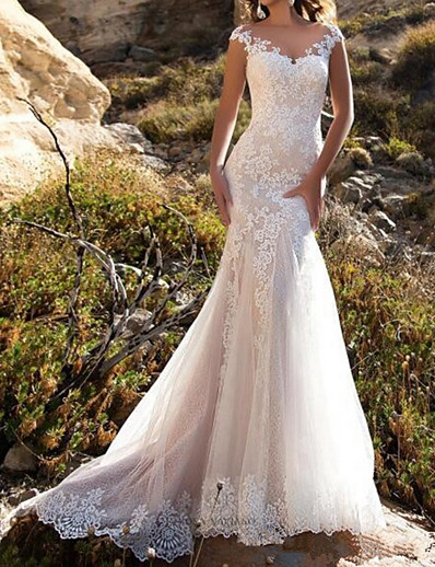 cheap Wedding Dresses-Mermaid / Trumpet V Neck Sweep / Brush Train Lace Cap Sleeve Mordern Illusion Detail Wedding Dresses with Buttons / Lace Insert 2020
