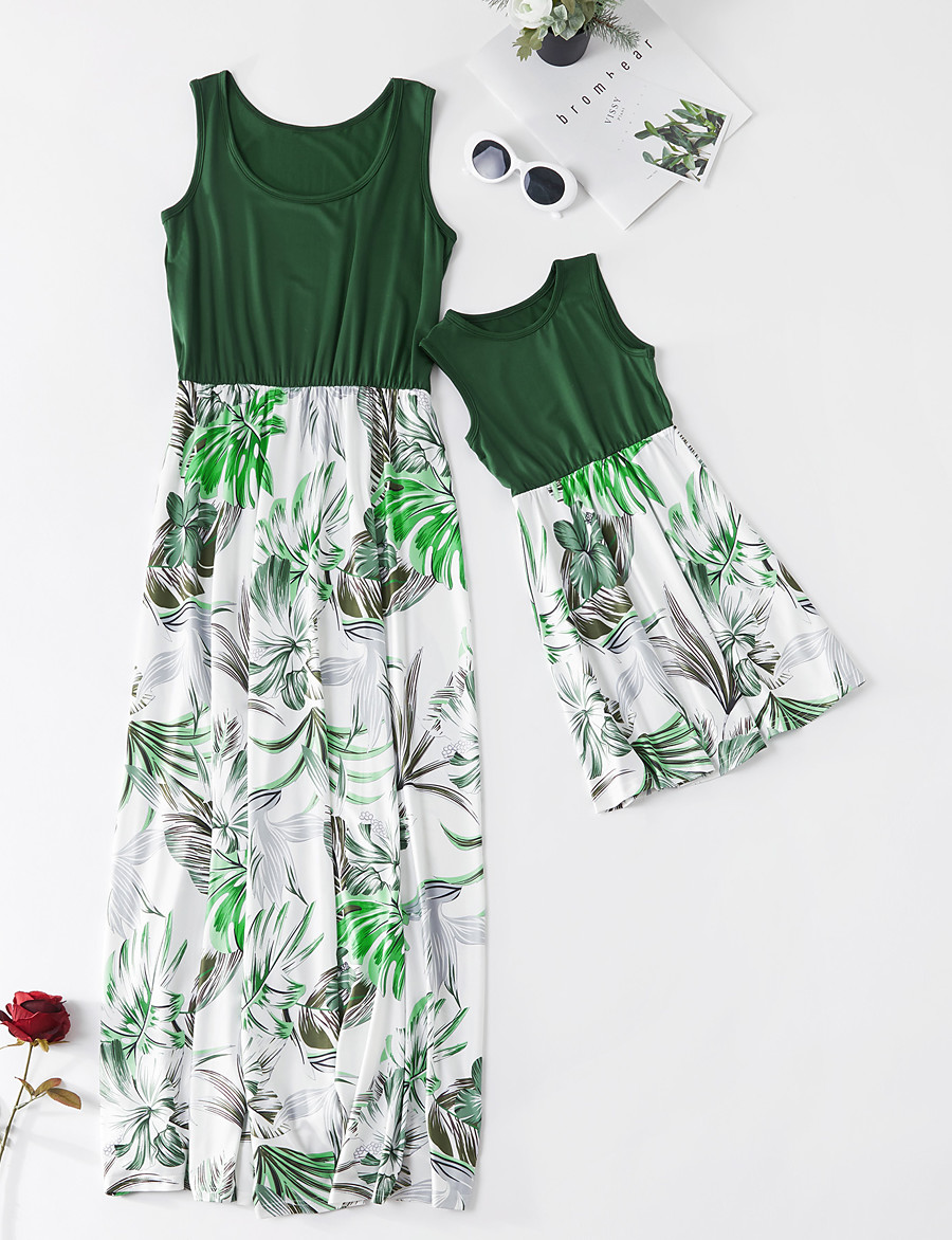 Dress Mommy and Me Floral Ruched Green Maxi Sleeveless Basic Matching Outfits / Boho / Print