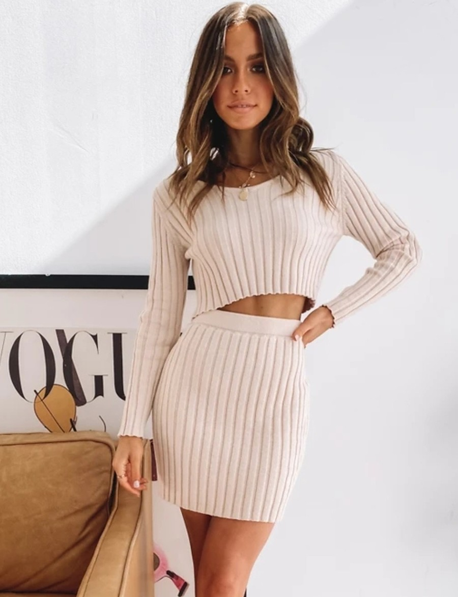 Women's Basic Solid Colored Two Piece Set Sweater Skirt Tops / Short