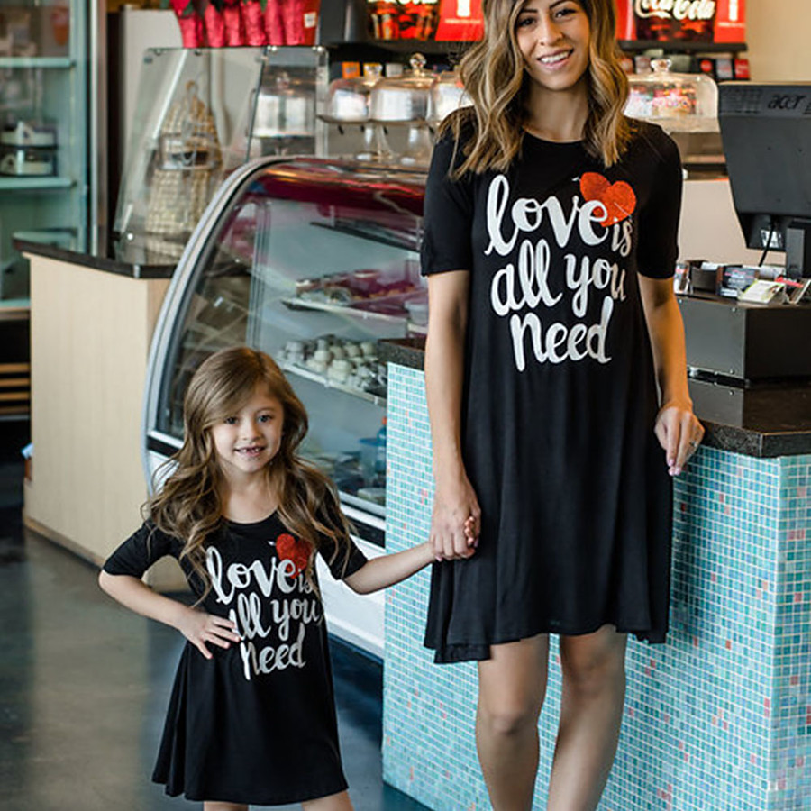 Dress Mommy and Me Graphic Print Black Knee-length Short Sleeve Matching Outfits / Summer