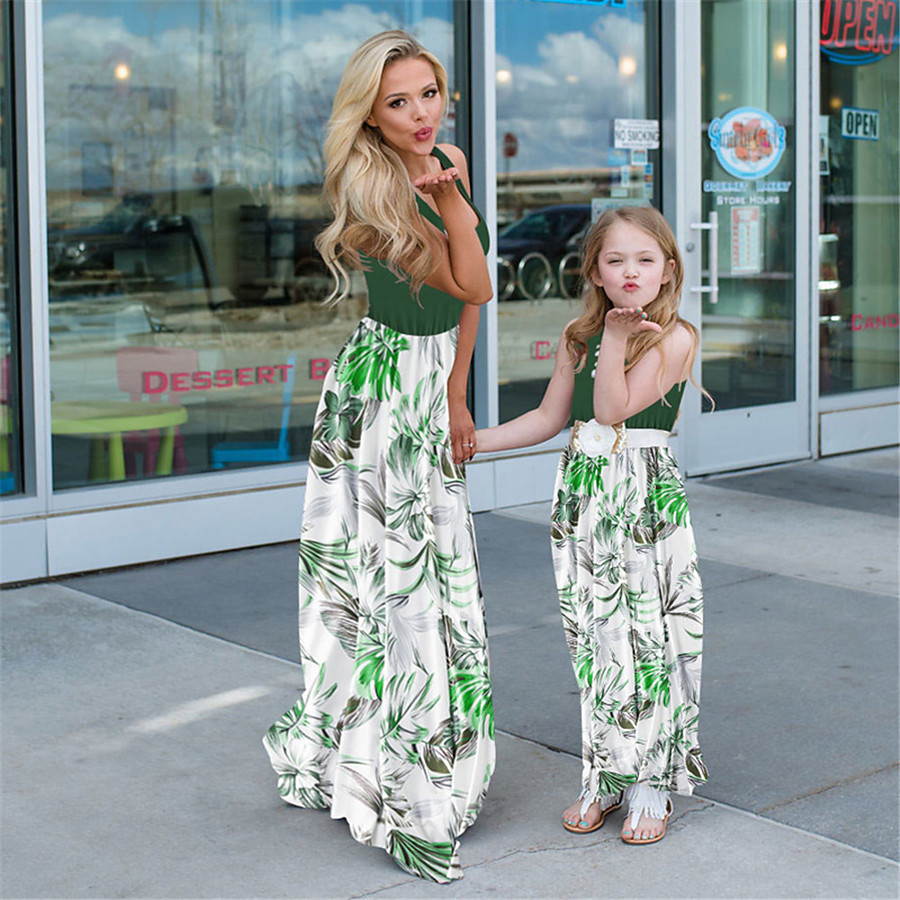 Dress Mommy and Me Graphic Print Light Green Maxi Sleeveless Matching Outfits / Summer