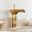 olcso Fürdőszobai kagyló csaptelep-Fürdőszoba mosogató csaptelep - Vízesés Antik bronz Három lyukas Egy fogantyú egy lyukkal / Bronz