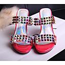 povoljno Ženske sandale-Žene Mekana koža Ljeto Udobne cipele Sandale Heterotipski peta Obala / Crvena