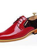 baratos Vestidos para Madrinhas-Homens Sapatos formais Couro Envernizado Primavera / Verão Conforto / Formais Oxfords Preto / Vermelho / Casamento / Festas & Noite / Sapatos de vestir
