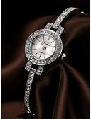 halpa Kvartsikellot-Naisten Rannerengaskello Diamond Watch Hopea / Ruusukulta Ajanotto Arkikello jäljitelmä Diamond Analoginen Ylellisyys Tyylikäs - Hopea Ruusukulta Yksi vuosi Akun käyttöikä / SSUO LR626