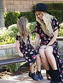 povoljno Obiteljski komplet odjeće-Mama i mene Cvjetni print Kratkih rukava Midi Haljina Crn