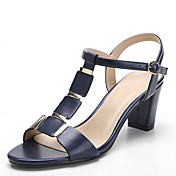 Mujer Zapatos PU Primavera Verano Otoño Anillo Frontal Sandalias Tacón Cuadrado Dedo redondo Remache para Casual Vestido Blanco Negro