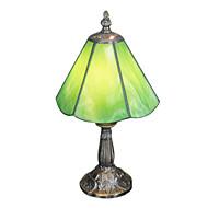 tiffany tabell lys med en lys grønn