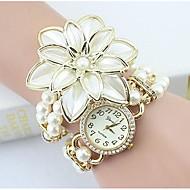 billige Quartz-Dame Quartz Armbåndsur Imiteret Diamant Legering Bånd Blomst / Perler / Elegant / Mode Hvid / Guld