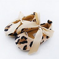 preiswerte Lauflern Schuhe-Mädchen Schuhe Vlies Frühling Herbst Flache Schuhe Schleife für Normal Draussen Kleid Leopard