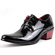 baratos Sapatos de Tamanho Pequeno-Homens Sapatos formais Couro Envernizado Primavera / Outono Oxfords Preto / Festas & Noite / Sapatas de novidade