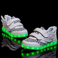 tanie Obuwie chłopięce-Dla chłopców Buty PU Wiosna Jesień Świecące buty Comfort Tenisówki Spacery LED na Atletyczny Casual White Black Fuchsia Light Green