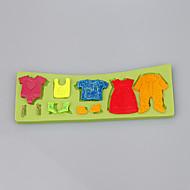 søte lille baby drakter klær fondant kake silikon mold godteri mold dekorasjon verktøy ramdon farge