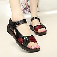 Feminino Sapatos Couro Ecológico Verão Chanel Sandálias Salto Baixo Para Casual Preto Marron Vermelho
