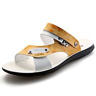 baratos Sapatos Masculinos-Homens Couro Verão Conforto Sandálias Caminhada Cinzento / Amarelo / Azul Claro