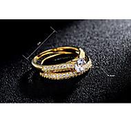 Mulheres Anel Zircônia cúbica Clássico Fashion Elegant Zircão Prata Chapeada Chapeado Dourado Redonda Jóias Casamento Festa Noivado Diário