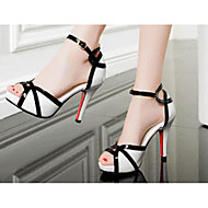 Damen High Heels Komfort PU Frühling Sommer Normal Komfort Weiß Flach