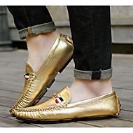 tanie Obuwie męskie-Męskie Komfortowe buty Skóra patentowa Wiosna Mokasyny i buty wsuwane Złoty / Srebrny / Szary