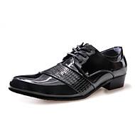 tanie Small Size Shoes-Męskie Buty Skóra patentowa Wiosna Jesień Comfort Oksfordki Szurowane Na Casual White Black