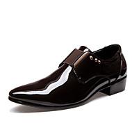abordables Oxfords pour Homme-Homme Chaussures de nouveauté Polyuréthane Eté / Automne Chaussures de mariage Noir / Marron / Mariage / Soirée & Evénement / Soirée & Evénement / Chaussures habillées