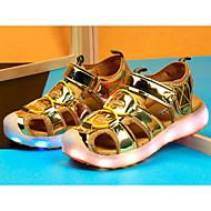 tanie Obuwie dziewczęce-Dla dziewczynek Buty PU Wiosna Lato Comfort Sandały na Casual Gold Silver Różowy