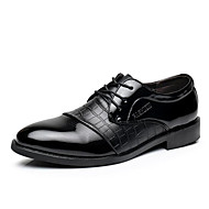 tanie Obuwie męskie-Męskie Buty Skóra Wiosna Jesień Modne obuwie Comfort Oksfordki Ćwiek na Casual Biuro i kariera Na wolnym powietrzu Impreza / bankiet Black