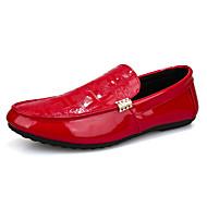tanie Small Size Shoes-Męskie Komfortowe buty PU Wiosna / Jesień Oksfordki Czarny / Biały / Czerwony