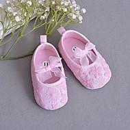 baratos Sapatos de Menina-Para Meninas Sapatos Tecido Primavera / Outono Primeiros Passos Rasos para Branco / Rosa claro