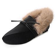 tanie Obuwie damskie-Damskie Obuwie PU Zima Comfort Mokasyny i pantofle Niski obcas na Casual Black Khaki