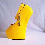 baratos Sapatos Femininos-Mulheres Sapatos Couro Ecológico Primavera / Outono Inovador Saltos Calcanhar Heterotípico Ponta Redonda Presilha Preto / Amarelo /