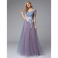 Χαμηλού Κόστους -Γραμμή Α Ώμοι Έξω Μακρύ Δαντέλα / Τούλι Μπλοκ χρωμάτων Χοροεσπερίδα / Επίσημο Βραδινό Φόρεμα με Διακοσμητικά Επιράμματα / Ζώνη / Κορδέλα με TS Couture®