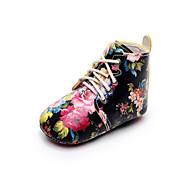 baratos Sapatos de Menina-Para Meninas Sapatos Couro Sintético Primavera & Outono Conforto / Primeiros Passos / Sapatos de Berço Botas Cadarço para Bebê Branco / Preto