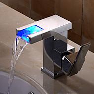 tanie Baterie prysznicowe-Łazienka kran zlew - Wodospad / Powszechny / Nowy design Chrom Przytwierdzony do ściany Pojedynczy uchwyt jeden otwór