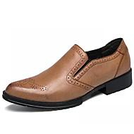 baratos Sapatos Masculinos-Homens Couro de Porco Outono Conforto Mocassins e Slip-Ons Amarelo / Vermelho