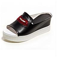 baratos Sapatos Femininos-Mulheres Sandálias Anabela Pele Napa Verão Sandálias Salto Plataforma Dedo Aberto Pom Pom Branco / Preto / Prata