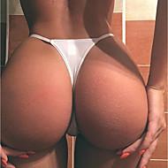 Naisten rintaliivit ja alushousut