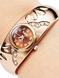 Недорогие -Жен. Модные часы Часы-браслет Кварцевый Имитация Алмазный сплав Группа Кольцеобразный Элегантные часы Бронза