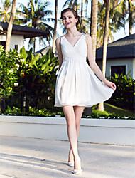 preiswerte -A-Linie / Prinzessin V-Ausschnitt Kurz / Mini Chiffon Maßgeschneiderte Brautkleider mit Perlenstickerei / Überkreuzte Rüschen durch LAN TING BRIDE®