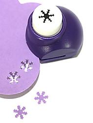 outil de coupe bricolage motif de flocon de neige métal mini poinçon (couleur aléatoire)