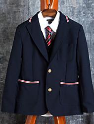 uniformes escolares traje azul marino con ribetes de contraste