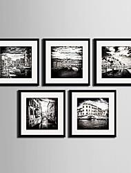baratos -Paisagem / Arquitetura Quadros Emoldurados / Conjunto Emoldurado Wall Art,PVC Preto Cartolina de Passepartout Incluída com frame Wall Art