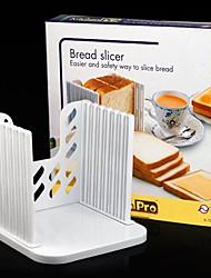 Недорогие -гренки сэндвич резки резак формы чайник кухня направляющие нарезки инструменты 16 * 16 * 2 см