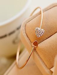 billige -Syntetisk Diamant Manchetarmbånd - Kvadratisk Zirconium, Rhinsten Hjerte, Kærlighed Personaliseret, Unikt design, Kontor Armbånd Skærmfarve Til Fest / Gave / Valentine