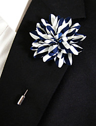 Men's Casual Blue And White Silk Goods Brooch Classical Feminine Style