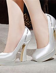 preiswerte -Damen Schuhe Satin Frühling Sommer Blockabsatz Plattform Kristall für Hochzeit Kleid Party & Festivität Weiß Rot Champagner